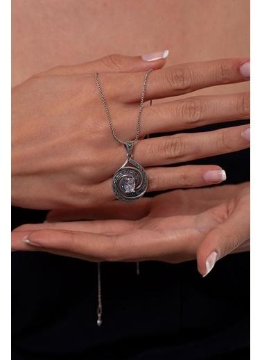 Ninova Silver Ninova Silver Zirkon ve Markazit Taşlı Spiral Model  Kolye Renkli